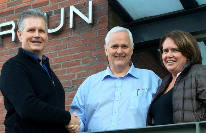 PLM Groups administrerende direktør Jan Lundström, med Jan Erik og Elin Iversen, som eier den nå oppkjøpte ProNor AS i Norge.